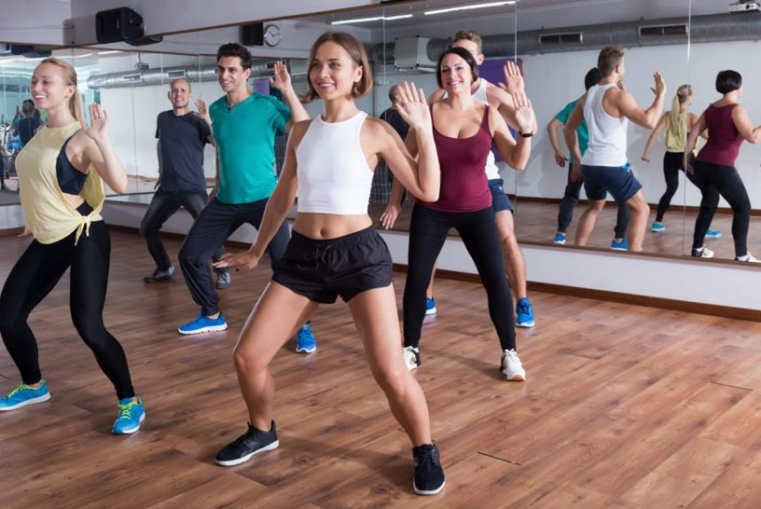 Comment faire de la Zumba en groupe pour rester en bonne santé