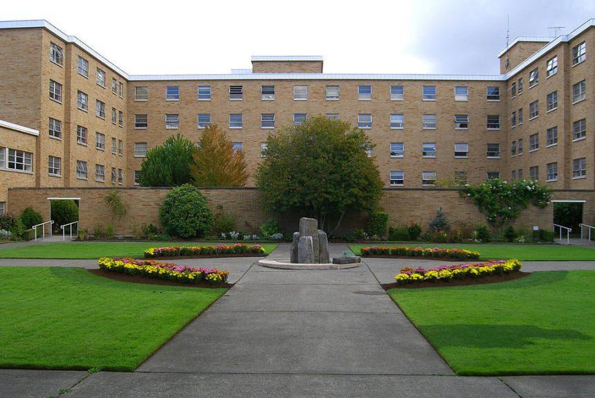 L'Université Bastyr m'a envoyé une lettre de cessation et de désistement