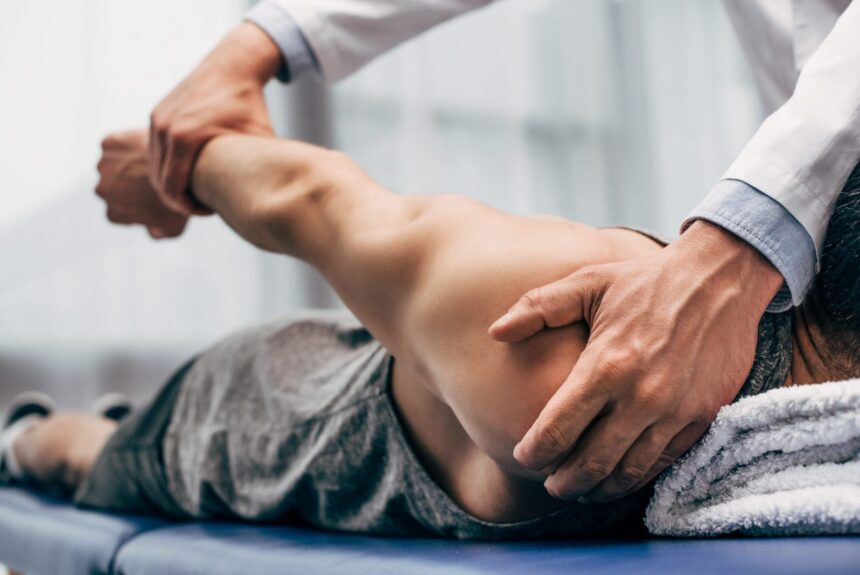 Ostéopathie: ce que vous devez savoir sur le traitement de manipulation ostéopathique